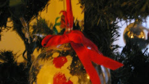 On the Tenth Day Of Christmas – Angela Britnell Hangs a Sicilian Glass Ornament